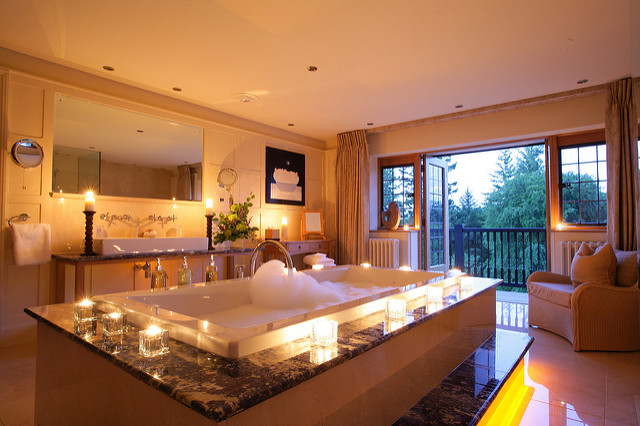 10 Tips on How to Make Your Bathroom Look Like a Spa