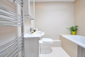 How to Refurbish a Bathroom Cheaply on a Budget