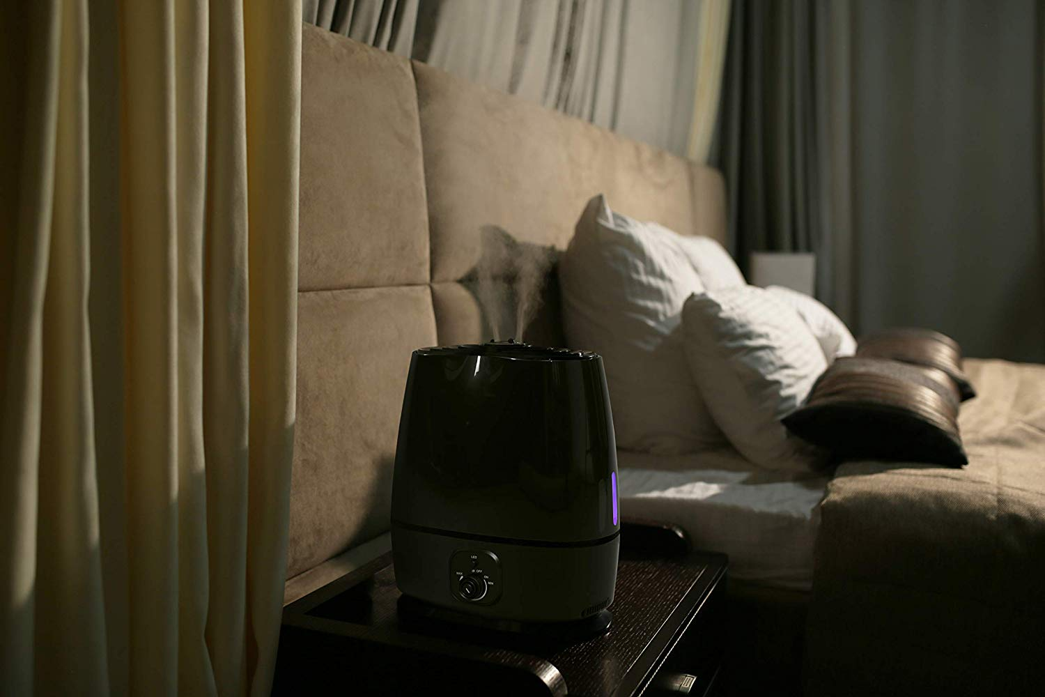 Best Humidifiers for Bedrooms with Essential Oils Diffuser