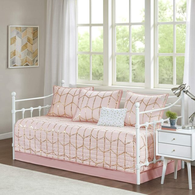 Best Girls Daybed Bedding Sets