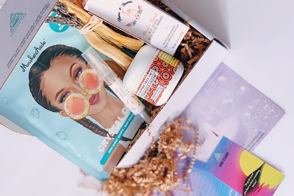 Review of the Feeling Fab Subscription Box of Wellness, Self Love & Self-Care
